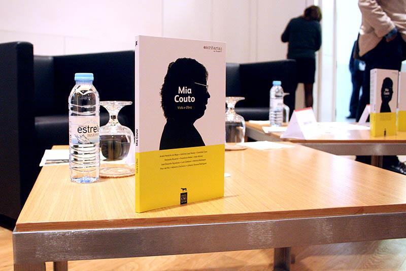 Livro Mia Couto - Vida e Obra